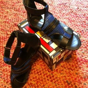 BCBG sporty leather and blue mesh gladiator